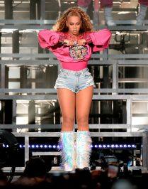 (GETTY) Coachella Weekend 2, Day 2 - Beyonce